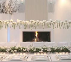 Gorgeous table setting idea for a very elegant party