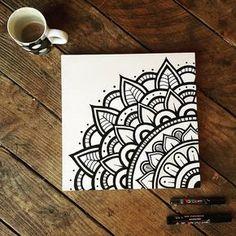 Immaculate Black and White Mandala Drawing .- Makellose Schwarz-Weiß-Mandala-Zeichnung … Makellose Schwarzweiss-… Impeccable black and white mandala drawing … Immaculate black and white mandala drawing with markers on burlap - Mandala Doodle, Mandala Artwork, Mandala Painting, Mandala Canvas, Easy Mandala Drawing, Doodle Canvas, Canvas Art, Doodle Art Drawing, Painting & Drawing