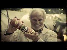 El nuevo comercial de Pringles, por Grey México. No creo sea plagio de One Tiny Hand, pero sí OTH funcionó claramente como referencia.