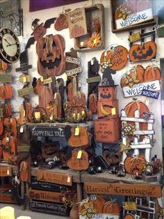 Green Oak Antiques--One of Indiana's Largest Independent Antique Stores Fall Wood Crafts, Halloween Wood Crafts, Halloween Signs, Halloween Projects, Holidays Halloween, Vintage Halloween, Halloween Crafts, Halloween Decorations, Manualidades Halloween