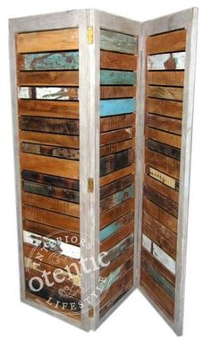 room divider - palet wood framed @Julie Stoen this is what i need to make for my apt!