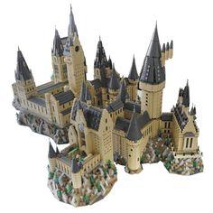 Minecraft Castle, Lego Castle, Lego Hogwarts, Lego Universe, Micro Lego, Lego People, Harry Potter Tattoos, Fantasy Places, Cool Lego Creations