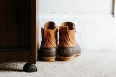 Keep your boots in good shape with these boot storage tips. Botas Bean, L.l. Bean, Good Work Boots, Used Tea Bags, Best Winter Boots, Boot Storage, Brown Leather Shoes, Bean Boots, Duck Boots