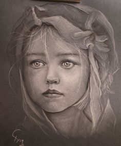 drawings of faces - Images - portrait of a girl - pencil - realistic drawings Amazing Drawings, Realistic Drawings, Cool Drawings, Pencil Drawings, Trois Crayons, Colored Pencil Artwork, Colored Paper, Graphite Drawings, Charcoal Drawings