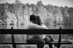 Photo de couple en noir & blanc, sur un banc // Photo : Stéphane Evras