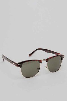 Classic Club Sunglasses  - Urban Outfitters