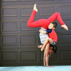 #yogoskenz looking absolutely adorable wearing our {Go Long Legging, Crimson} | @albionfit