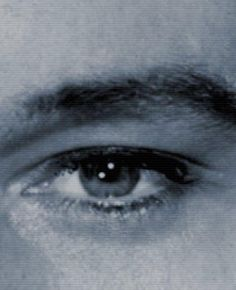 ♥  Just like his hands...unmistakable. Love this blue eyes
