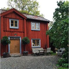 Exterior Colors, Country Life, Shed, Cottage, Outdoor Structures, Cabin, Architecture, House Styles, Places
