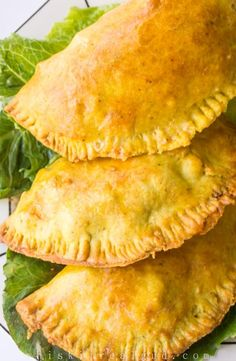 Jamaican Beef Patties are great finger food for football season. Jamaican Cuisine, Jamaican Dishes, Jamaican Recipes, Beef Recipes, Cooking Recipes, Jamaican Meat Pies, Jamaican Curry Chicken, Guyanese Recipes, Gastronomia