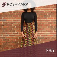 Vintage high waist skirt Colorful Highwaist skirt. Button down front. Skirts Maxi