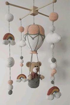 Crochet Feather, Crochet Diy, Crochet Bear, Crochet Basics, Crochet Crafts, Baby Knitting Patterns, Crochet Edging Patterns, Baby Patterns, Crochet Baby Mobiles
