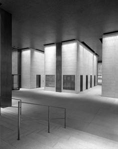 Seagram Building | New York, New York | Mies van der Rohe | Lighting design Richard Kelly | Photo © Ezra Stoller/Esto