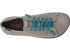 ペウが誕生した2004年は足の形をしたデザインは時代の先を行っていました。ユニークなシルエットのこの靴は裸足で歩いているような履き&#24...