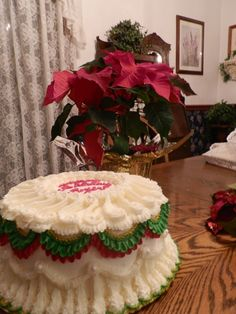 My attempts at a Lambeth Christmas cake in butter cream