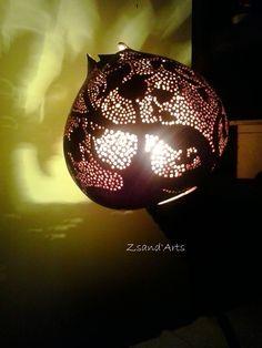 Kobaktök lámpa. Egyedi tervezés és kivitelezés. Csodás fényjáték az éjszakában. Pirográfiával díszítve, csipkézve, kézi festéssel kombinálva Pyrography gourds https://www.facebook.com/media/set/?set=a.528980210496536.1073741833.310692942325265&type=3