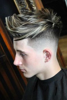 Pick out the best cut that flatters your hair type, lifestyle and personal taste. Boy Haircuts Short, Teen Boy Hairstyles, Short Black Hairstyles, Undercut Hairstyles, Haircuts For Men, Short Hair Cuts, Haircut Short, Boys Colored Hair, Long Wavy Hair