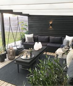 Exhilaratingly Beautiful Outdoor Living Room Ideas On a Budget - . - Makayla - Exhilaratingly Beautiful Outdoor Living Room Ideas On a Budget - . Exhilaratingly Beautiful Outdoor Living Room Ideas On a Budget - - Outdoor Furniture Sets, Outdoor Decor, Home, Patio Furniture, Backyard Decor, Diy Patio, Outdoor Living Rooms, Outdoor Design, Living Room Designs