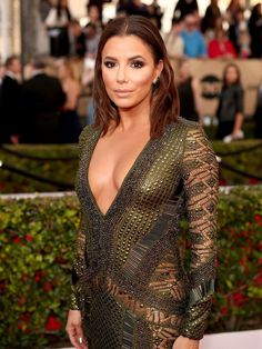 428f25eef9f Eva Longoria showss off her cleavage in Julien Macdonald dress at 2016 SAG  - Screen Actors