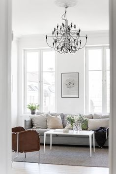 Light, Flos lamp and gorgeous apartment