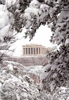 Acropolis under the snow, Athens, Greece. Greece is absolutely gorgeous but this is just BEAUTIFUL! Mykonos, Santorini, Places In Greece, Athens Greece, Athens Beach, Acropolis Greece, Parthenon Athens, To Infinity And Beyond, Paros