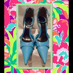 "Crazy Sexy Turquoise 6"" heels with silver hardware  Super pointy Super crazy sexy condition!Sorry no PayPal holds or trades  Save up to 50o/o off on bundles. Bundle both of my Poshmark closets and save @demitria Thank You for shopping Demitria's Treasures Shoes"