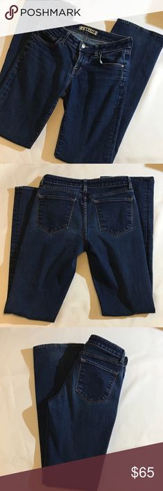 "J Brand Scarlett Bootcut, size 29. dark wash. 15"" across waist, 4.5"" from bottom of zipper to waist, 33"" inseam, 9"" leg opening. 5 pocket classic style. EUC. Worn maybe 5 times. Great jeans!! J Brand Jeans Boot Cut"