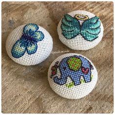 Cross Stitch Necklace Pixel Art, Stitches, Cross Stitch, Punto De Cruz, Bags, Dots, Needlepoint, Manualidades, Patterns