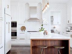 cuisine-blanche-et-bois-aménagement-de-cuisine-original