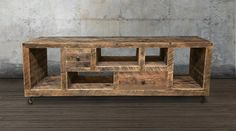Consola de madera reciclada