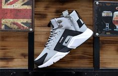 New NIke Huarache X Acronym City MID Leather Winter Men's Shockproof Warm Sports Shoes Grey / Black - Sporty Style Puma Sneakers, Adidas Shoes, Black Sneakers, Shoes Sneakers, New Nike Huarache, Expensive Sports Cars, Mens Slippers, Black Leather Shoes, Sports Shoes