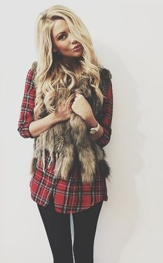 Plaid shirt with fur vest and black skinny pants - casual fall outfit Legging Outfits, Outfits With Fur Vest, Casual Outfits, Style Work, Mode Style, Fashion Mode, Look Fashion, Womens Fashion, Fall Fashion
