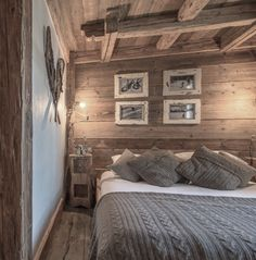 Creative Chalet style of interior decorating ideas Chalet Design, Chalet Style, House Design, Chalet Interior, Interior Design Living Room, Interior Decorating, French Interior, Decorating Ideas, Lodge Bedroom