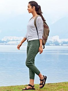 Trekkie Jogger - Blaze a new trail in this wicking ripstop hiking bottom that has stretch for ease of movement and a casual style that transcends the trail. Look Casual, Casual Chic, Travel Clothes Women, Clothes For Women, Summer Hiking Outfit, Hiking Outfits, Camping Outfits For Women Summer, Trekking Outfit, Outdoorsy Style