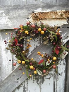 Rustic Theme: Rustic Wreath for Engagement Gift Decoration