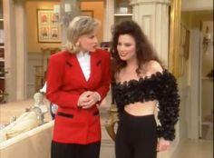 I love the fashion chosen for Fran on the TV show - The Nanny 29-the-nanny-fran-black-ruffle-crop-top-cece-red-blazer.jpeg (802×593)