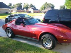 1977 red Stingray Corvette
