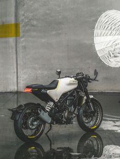 Vitpilen 401 Cafe Moto, Bike Pic, Husqvarna, Bmw, Motorcycle Helmets, Sport Bikes, Ducati, Motorbikes, Cars Motorcycles