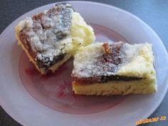 Milujete koláče a bojíte se je dělat? Pak tento recept je přímo pro vás. Koláč je báječný a rychlý. ... Czech Recipes, Dessert Recipes, Desserts, Sweet Recipes, French Toast, Cheesecake, Muffin, Goodies, Food And Drink