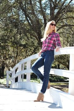 The Classy Woman ® || Pink Plaid x Denim #plaidshirt #skinnyjeans #suede #booties #winter #florida #sunny