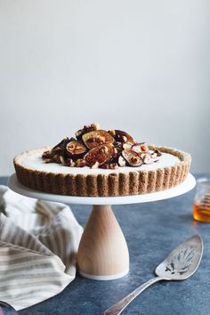Ginger goat cheese cheesecake encased in a gluten-free vanilla hazelnut tart crust and topped with honey roasted figs and hazelnuts. Tart Recipes, Cheesecake Recipes, Sweet Recipes, Dessert Recipes, Roasted Figs, Cupcakes, Strudel, Cheesecakes, Goat Cheese