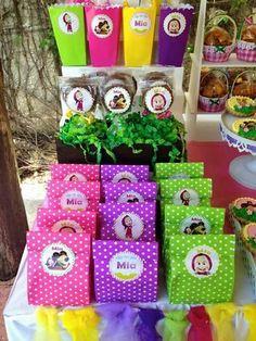 dulceros para fiesta de cumpleaños de Masha y el Oso