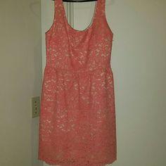 Trina Turk dress Coral lace dress with beige underlay size 8 fully lined scalloped  hem. Trina Turk Dresses Midi