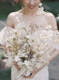 Seeing today's magical wedding in the Redwoods warms our hearts. Maggie + Tom a… Seeing today's magical wedding in the Redwoods Fall Wedding Flowers, Bridal Flowers, Spring Wedding, Wedding Colors, Neutral Color Wedding, Wedding Ceremony Ideas, Wedding Events, Budget Wedding, Wedding Planning