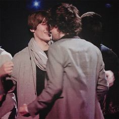 """Page 3 """"you're so small."""" as if to prove his point, louis squeezed harry tightly in his arms, and harry just scrunched..."""