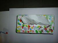 tissuedoos versieren voor mama ! voor meer knutselwerkjes of kinderliedjes http://peuterknutsels.blogspot.be/