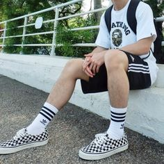 Summer Outfits Men, Trendy Outfits, Boy Outfits, Checkered Vans Outfit, Vans Outfit Men, Urban Fashion, Mens Fashion, Adidas Runners, Look Man