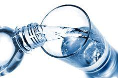 Beneficios de beber agua con limón en ayunas y preparación