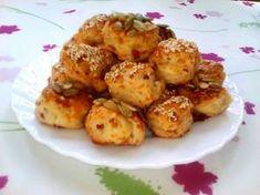 Sajttekercs | Orchideacska receptje - Cookpad receptek Potato Salad, Cauliflower, Bacon, Potatoes, Vegetables, Ethnic Recipes, Food, Cauliflowers, Potato