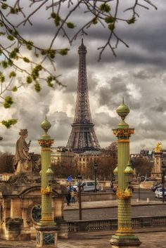 """Paris est une Fête! — Paris by """"The Good Life France""""."""